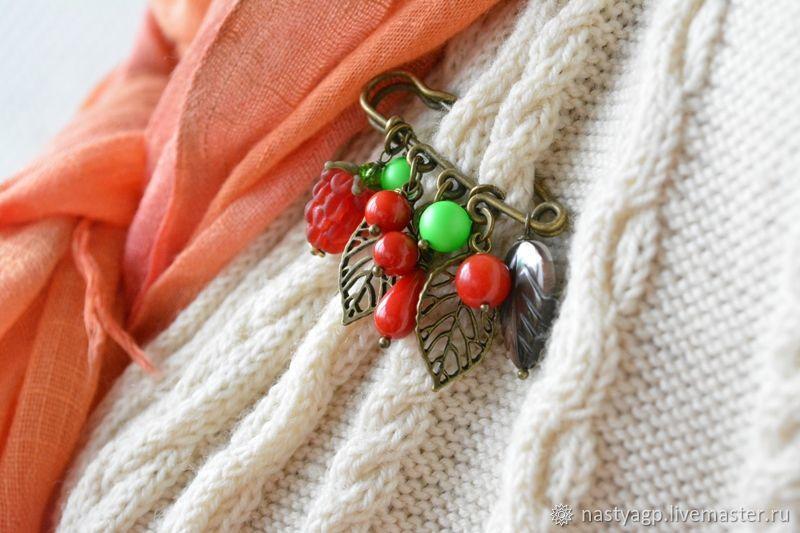 украшение, аксессуар, подарок женщине, красивый подарок, брошка, брошка с камнями, красная брошь, аксессуар на шурф, брошь на палантин, булавка для шарфа, бижутерия, украшения