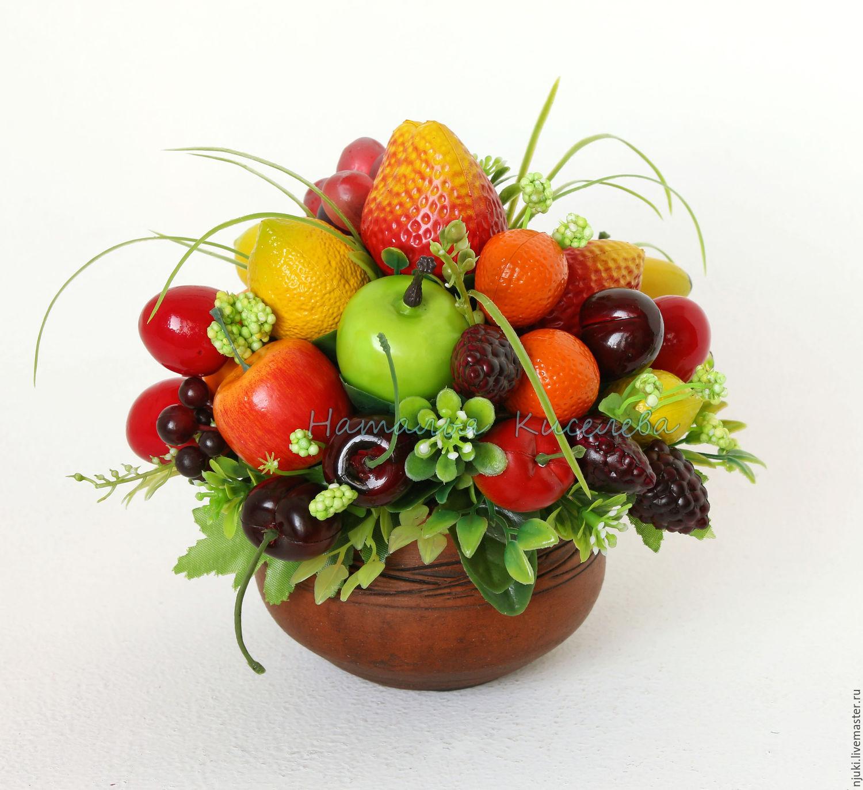 Композиция из фруктов и цветов фото