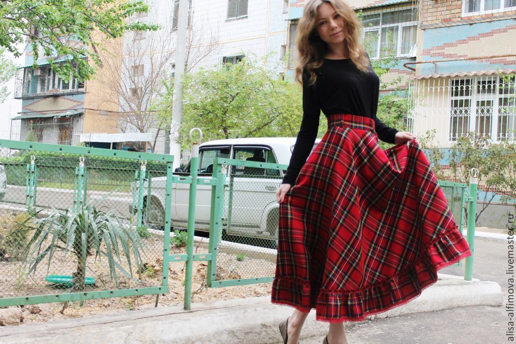 Платья с юбкой шотландкой