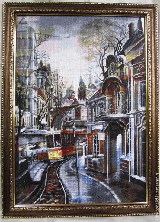 """Город ручной работы. Ярмарка Мастеров - ручная работа. Купить Вышитая картина """"Трамвайный путь"""". Handmade. Серебряный, картинка, трамвай"""