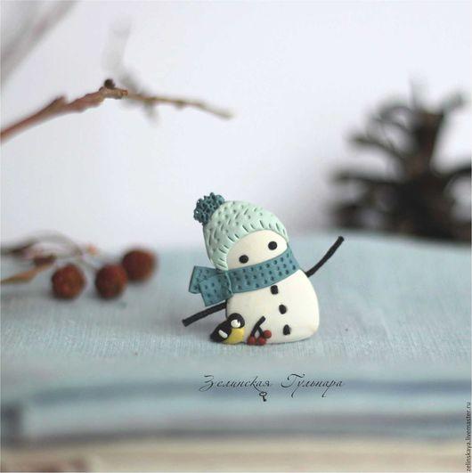 Броши ручной работы. Ярмарка Мастеров - ручная работа. Купить Снеговичок. Брошь. Handmade. Белый, голубой, броь снеговик