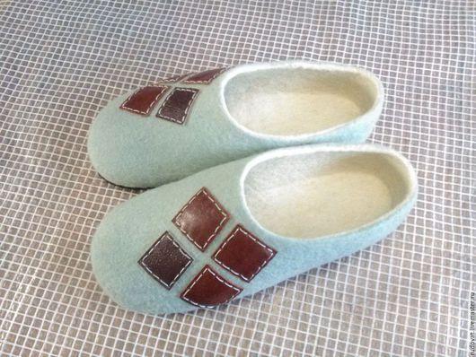 Обувь ручной работы. Ярмарка Мастеров - ручная работа. Купить Валяные мужские тапочки.. Handmade. Комбинированный