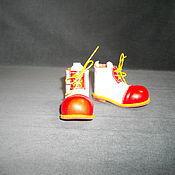Куклы и игрушки ручной работы. Ярмарка Мастеров - ручная работа Клоунские ботиночки для куклы. Handmade.