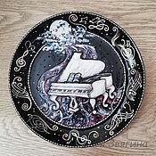 Картины и панно handmade. Livemaster - original item Decorative plate White Piano. Hand painted. Gift musician. Handmade.