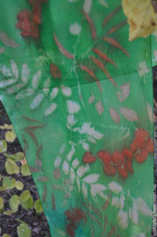 """Шарфы и шарфики ручной работы. Ярмарка Мастеров - ручная работа. Купить Шелковый шарф """"Изумруд"""". Handmade. Ярко-зелёный"""