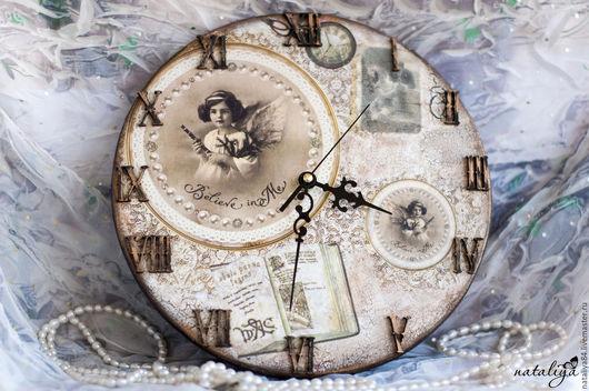 """Часы для дома ручной работы. Ярмарка Мастеров - ручная работа. Купить Настенные часы """"Belive"""" декупаж. Handmade. Бежевый"""