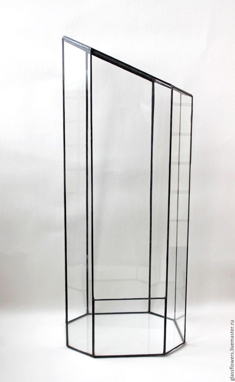 Флорариум. Геометрический вертикальный витражный флорариум