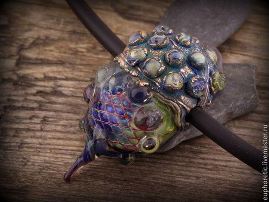 """Кулоны, подвески ручной работы. Ярмарка Мастеров - ручная работа. Купить """"Ксеноморф"""" кулон лэмпворк+гальваника. Handmade. Разноцветный, стимпанк"""