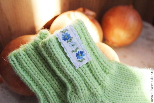 """Носки, гольфы, гетры ручной работы. Ярмарка Мастеров - ручная работа. Купить Носки мериносовые """"Бабушкины"""" светлая зелень. Handmade."""