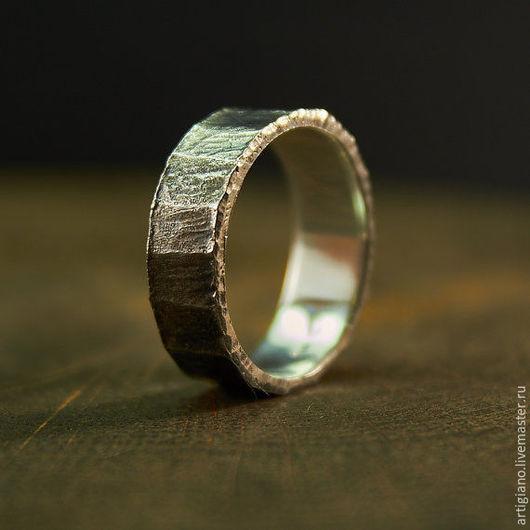 Кольца ручной работы. Ярмарка Мастеров - ручная работа. Купить Кованое кольцо с гранями. Handmade. Кованые изделия, кольцо