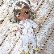 Одежда для кукол ручной работы. Ярмарка Мастеров - ручная работа Комбинезон Зайка для Блайз. Handmade.