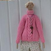 Куклы и игрушки ручной работы. Ярмарка Мастеров - ручная работа Тильда в свитере и чулках. Handmade.