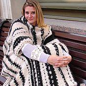Одежда ручной работы. Ярмарка Мастеров - ручная работа Плед с рукавами  «ЗЕБРА» из собачьей шерсти.. Handmade.