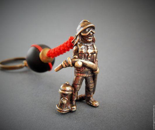 """Брелоки ручной работы. Ярмарка Мастеров - ручная работа. Купить брелок """"Пожарный"""" бронза шунгит. Handmade. Брелок, брелок на ключи"""