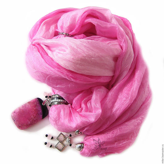 """Шарфы и шарфики ручной работы. Ярмарка Мастеров - ручная работа. Купить """"Акцент"""" шарф колье натуральный шёлк с кулоном и кистями. Handmade."""