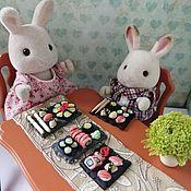 Кукольная еда ручной работы. Ярмарка Мастеров - ручная работа Кукольная еда: Кукольная миниатюра суши и роллы. Handmade.