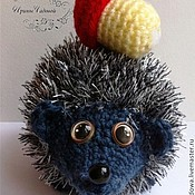 Куклы и игрушки ручной работы. Ярмарка Мастеров - ручная работа Вязаный ёжик с грибочком. Handmade.