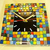 """Для дома и интерьера ручной работы. Ярмарка Мастеров - ручная работа Часы настенные """"Клетки, клетки""""(фьюзинг). Handmade."""