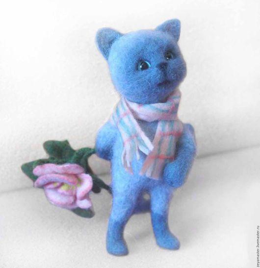 Игрушки животные, ручной работы. Ярмарка Мастеров - ручная работа. Купить Кот-романтик с розой. Интерьерная игрушка из шерсти. Handmade.