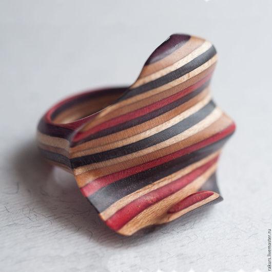 Кольца ручной работы. Ярмарка Мастеров - ручная работа. Купить Кольцо из доски для скейта пластичное. Handmade. Комбинированный, оригинальное кольцо