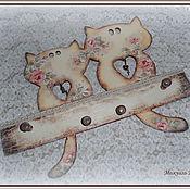 """Для дома и интерьера ручной работы. Ярмарка Мастеров - ручная работа Ключница-вешалка """"Ключ От Её Сердца"""" (Влюблённые Котейки-2. Handmade."""