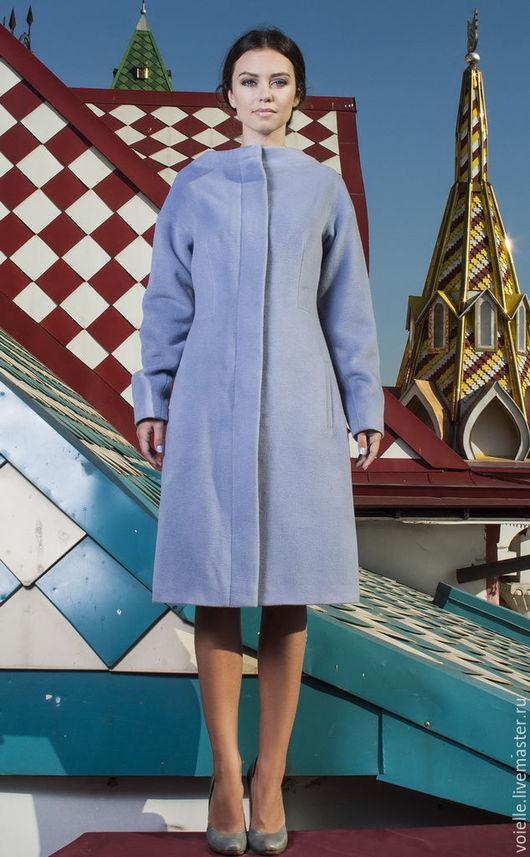 однотонное пальто, на осень пальто, на зиму пальто, голубое пальто, теплое пальто, на подкладе пальто, демисезонное пальто, модное пальто, комфортное пальто, с широким рукавом пальто приталенное