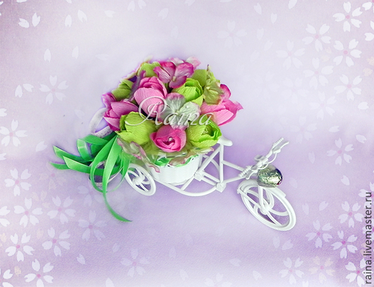 """Букеты ручной работы. Ярмарка Мастеров - ручная работа. Купить Букет из конфет в велосипеде """"Яркие эмоции"""". Handmade. Ярко-зелёный"""
