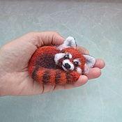 Брошь-булавка ручной работы. Ярмарка Мастеров - ручная работа Валяная брошь Красная панда. Handmade.