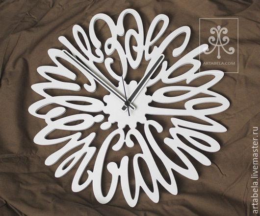 """Часы для дома ручной работы. Ярмарка Мастеров - ручная работа. Купить Настенные часы """"Здесь живет счастье"""". Handmade. Белый"""