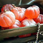 Косметика ручной работы. Ярмарка Мастеров - ручная работа Ящик мандаринов подарок на новый год, мыло новогоднее мандарин. Handmade.