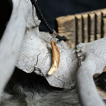 """Русский стиль ручной работы. Ярмарка Мастеров - ручная работа Кулон из волчьего клыка """"Тотем"""". Handmade."""