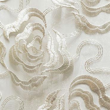 Текстиль ручной работы. Ярмарка Мастеров - ручная работа Белая органза с белой вышивкой в виде роз. Тюль с фигурным низом. Handmade.