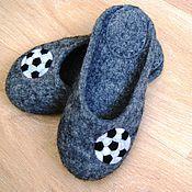 """Обувь ручной работы. Ярмарка Мастеров - ручная работа """"Юному футболисту"""" детские валяные тапочки. Handmade."""