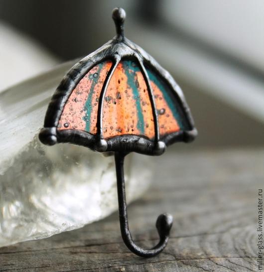"""Броши ручной работы. Ярмарка Мастеров - ручная работа. Купить Брошь """"Зонт таинственный"""" стекло. Handmade. Брошь, зонт от дождя"""