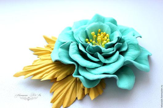 Броши ручной работы. Ярмарка Мастеров - ручная работа. Купить Брошь цветок из натуральной кожи Мятная, кожаная брошь. Handmade.