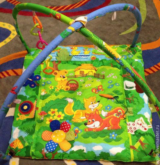 Развивающие игрушки ручной работы. Ярмарка Мастеров - ручная работа. Купить Развивающий коврик с дугами. Handmade. Разноцветный, коврик для малыша