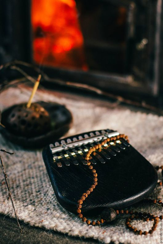 Струнные инструменты ручной работы. Ярмарка Мастеров - ручная работа. Купить Калимба Yoki 11 нот из венге. Handmade. Черный