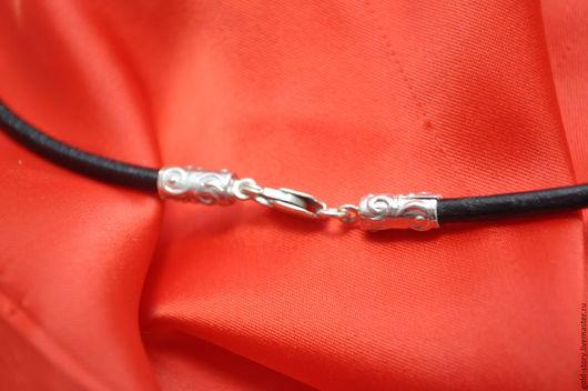Кулоны, подвески ручной работы. Ярмарка Мастеров - ручная работа. Купить Кожаный  шнурок с серебряными концевыми. Handmade. Серебряный