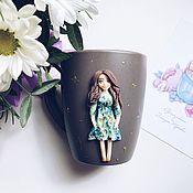 Кружки ручной работы. Ярмарка Мастеров - ручная работа Кружка по фотографии. Девочка из полимерной глины. Handmade.