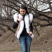 Одежда ручной работы. Ярмарка Мастеров - ручная работа Белая жилетка из платка и меха финского песца. Handmade.