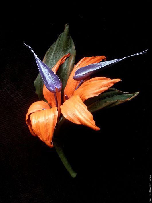 """Броши ручной работы. Ярмарка Мастеров - ручная работа. Купить Цветы из кожи. Брошь """"Стрелиция"""". Handmade. Оранжевый, кожаный цветок"""