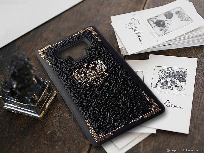 Подарок на новый год. Кожаный чехол для телефона с бронзовыми уголками, Подарки на 23 февраля, Ессентуки,  Фото №1