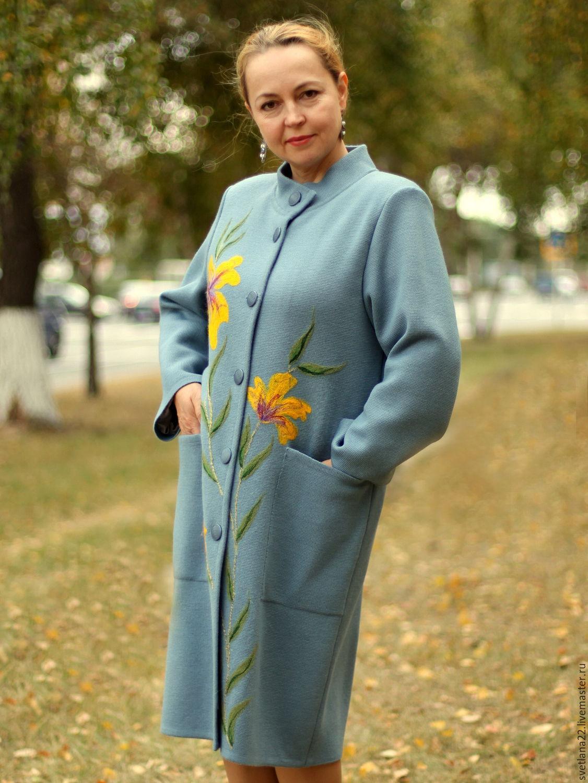 Трикотажное пальто с вышивкой 3