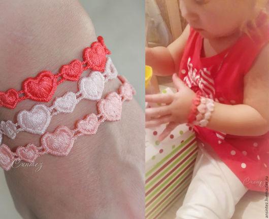 Браслеты ручной работы. Ярмарка Мастеров - ручная работа. Купить Вышитые браслеты мама-дочка Веселые сердечки набор 3детских 3взрослых. Handmade.