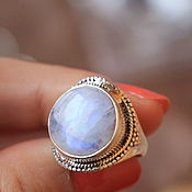Украшения ручной работы. Ярмарка Мастеров - ручная работа 17 лунный камень 15 мм кольцо серебряное. Handmade.