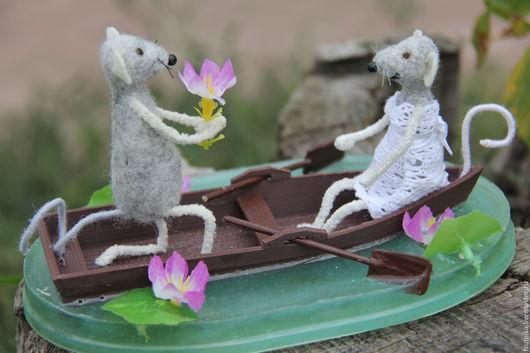 Детская ручной работы. Ярмарка Мастеров - ручная работа. Купить Две мышки в лодке на пруду. Handmade. Мышь валяная, мышонок