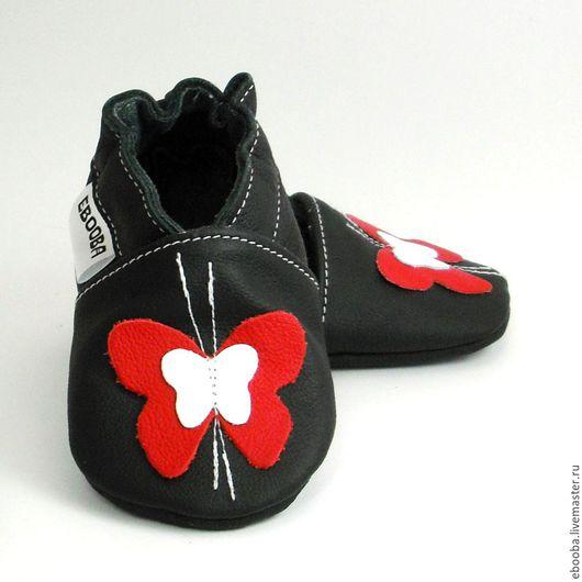 Кожаные чешки тапочки пинетки бабочки красная белая на чёрном ebooba