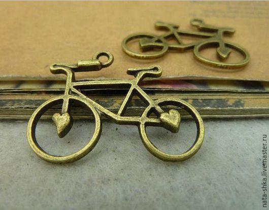 """Кулоны, подвески ручной работы. Ярмарка Мастеров - ручная работа. Купить Кулон """"Велосипед с сердечками"""" бронза. Handmade. Золотой, кулон"""