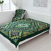 """Для дома и интерьера ручной работы. Ярмарка Мастеров - ручная работа Пэчворк""""Зелёное""""полуторное лоскутное покрывало. Handmade."""