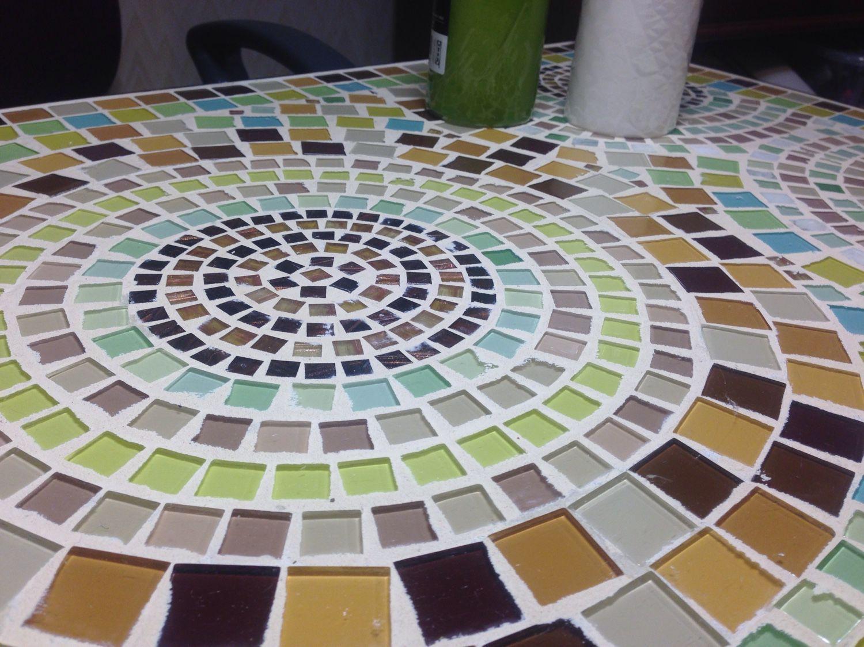 Стол из мозаики своими руками 15